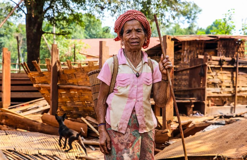 Cambodian woman who works with forest products to conserve timber (Photo: © Kouy Socheat, NTFP-EP Cambodia / IUCN NL)