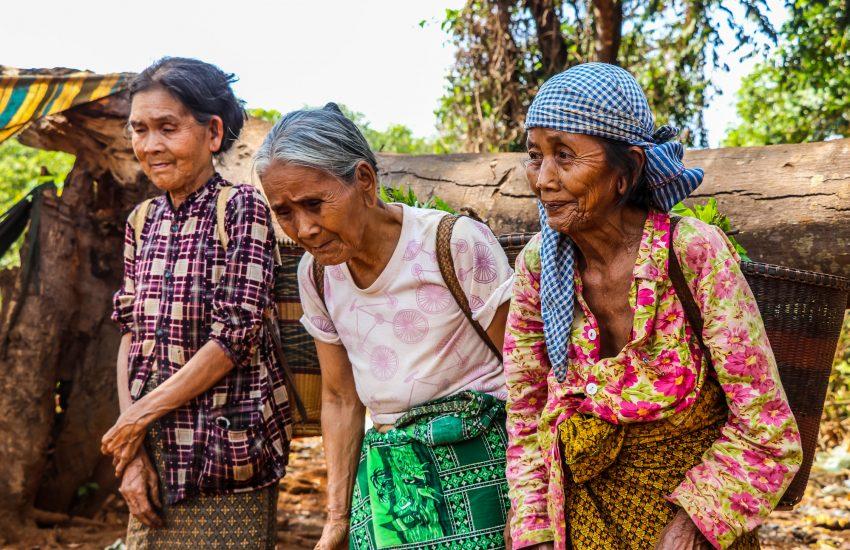 Drie boerinnen in Cambiodia