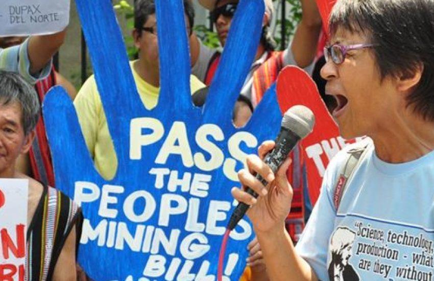 Protest vrouwelijke natuurbeschermers